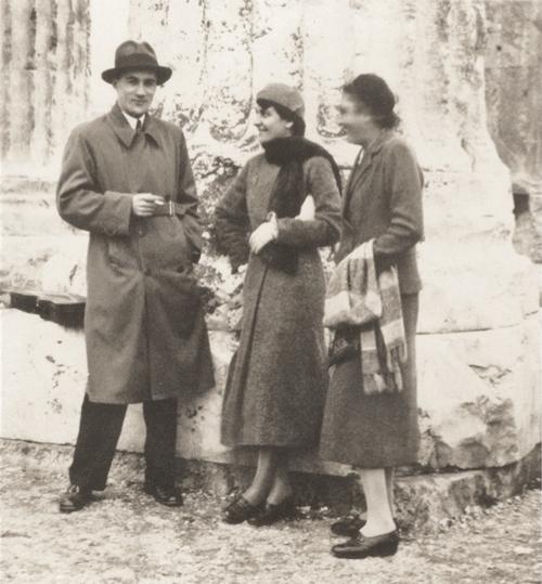 Nikos Skalkottas, Polyxeni Mathéy et Koula Pratsika, Athènes 1933, archives de Polyxeni Mathéy.